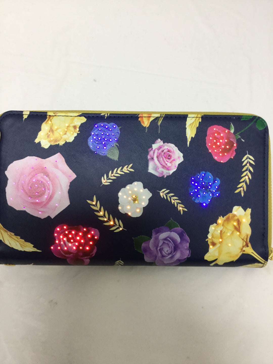 Photo #3 - BRAND:    CLOTHES MENTOR <BR>STYLE: WALLET <BR>COLOR: FLORAL <BR>SIZE: LARGE <BR>SKU: 155-155215-3081<BR>LIGHTS UP!