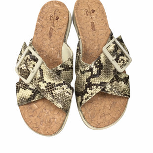 Primary Photo - BRAND: CLARKS STYLE: SANDALS LOW COLOR: SNAKESKIN PRINT SIZE: 6.5 SKU: 155-155130-219607