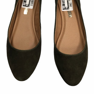 Primary Photo - BRAND: AUDREY BROOKE STYLE: SHOES FLATS COLOR: OLIVE SIZE: 9.5 SKU: 155-155220-11492