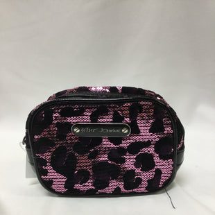 Primary Photo - BRAND: BETSEY JOHNSON STYLE: MAKEUP BAG COLOR: LEOPARD PRINT SKU: 155-155224-16102