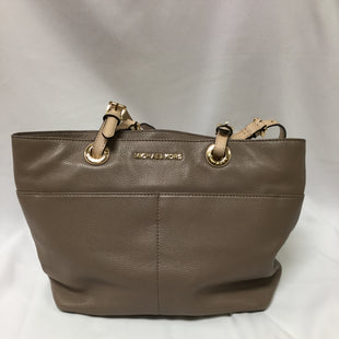 Primary Photo - BRAND: MICHAEL BY MICHAEL KORS STYLE: HANDBAG COLOR: TAN SIZE: MEDIUM OTHER INFO: NOTED SKU: 155-155201-17442