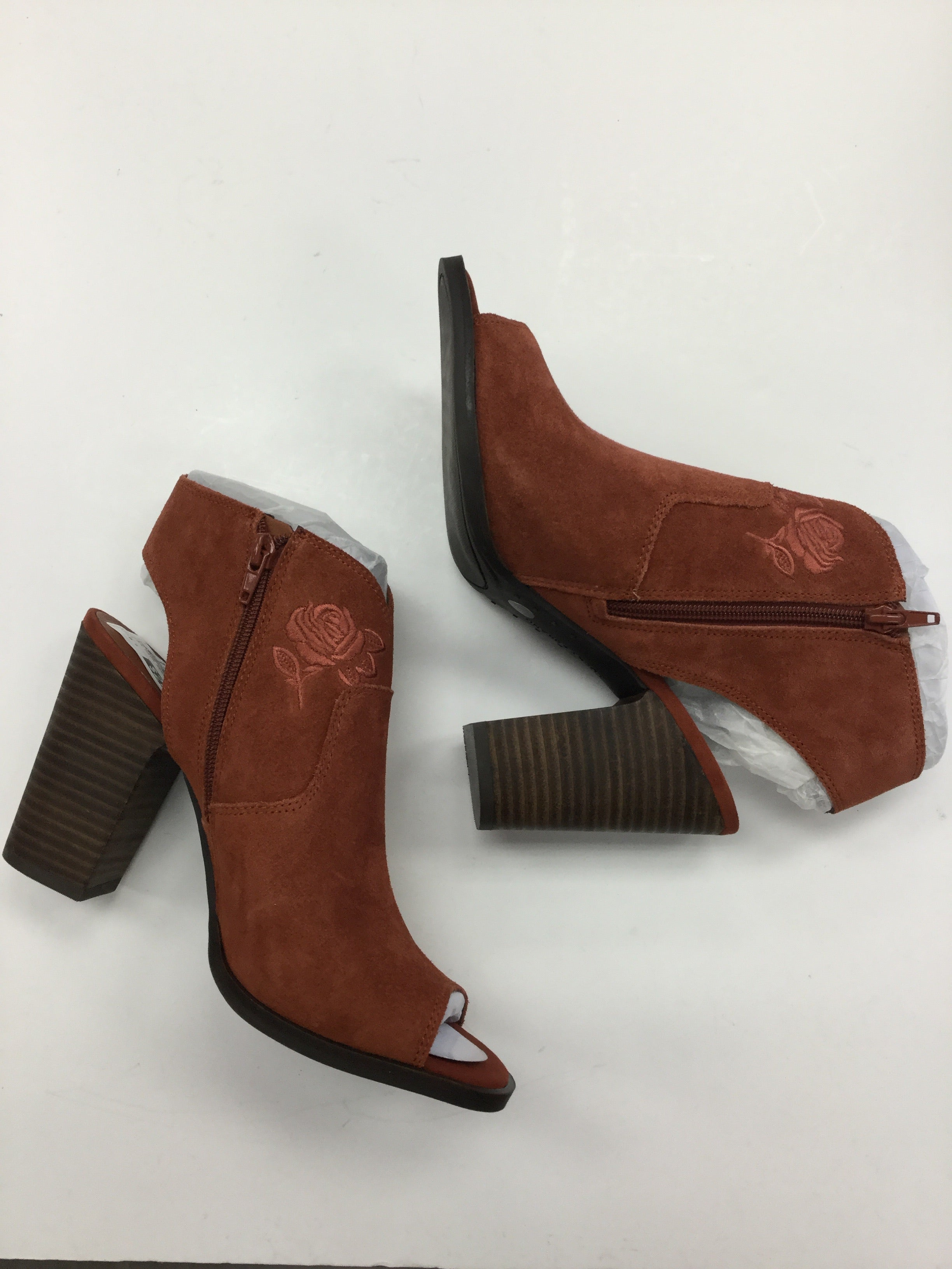 Primary Photo - BRAND: LUCKY BRAND <BR>STYLE: SHOES HIGH HEEL <BR>COLOR: RUST <BR>SIZE: 9.5 <BR>SKU: 155-15545-206550