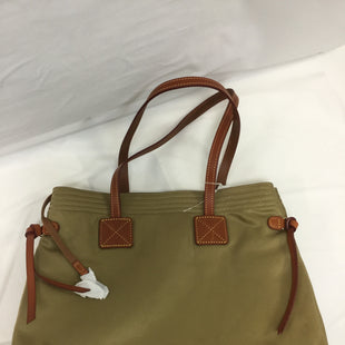 Primary Photo - BRAND: DOONEY AND BOURKE STYLE: HANDBAG DESIGNER COLOR: GOLD SIZE: LARGE SKU: 155-155224-4939