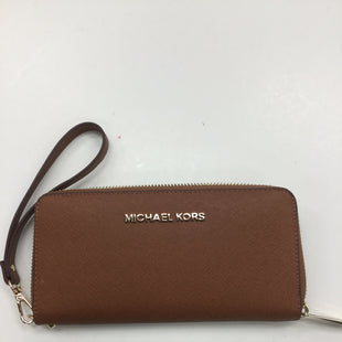 Primary Photo - BRAND: MICHAEL KORS STYLE: WRISTLET COLOR: CARAMEL SKU: 155-15545-207088