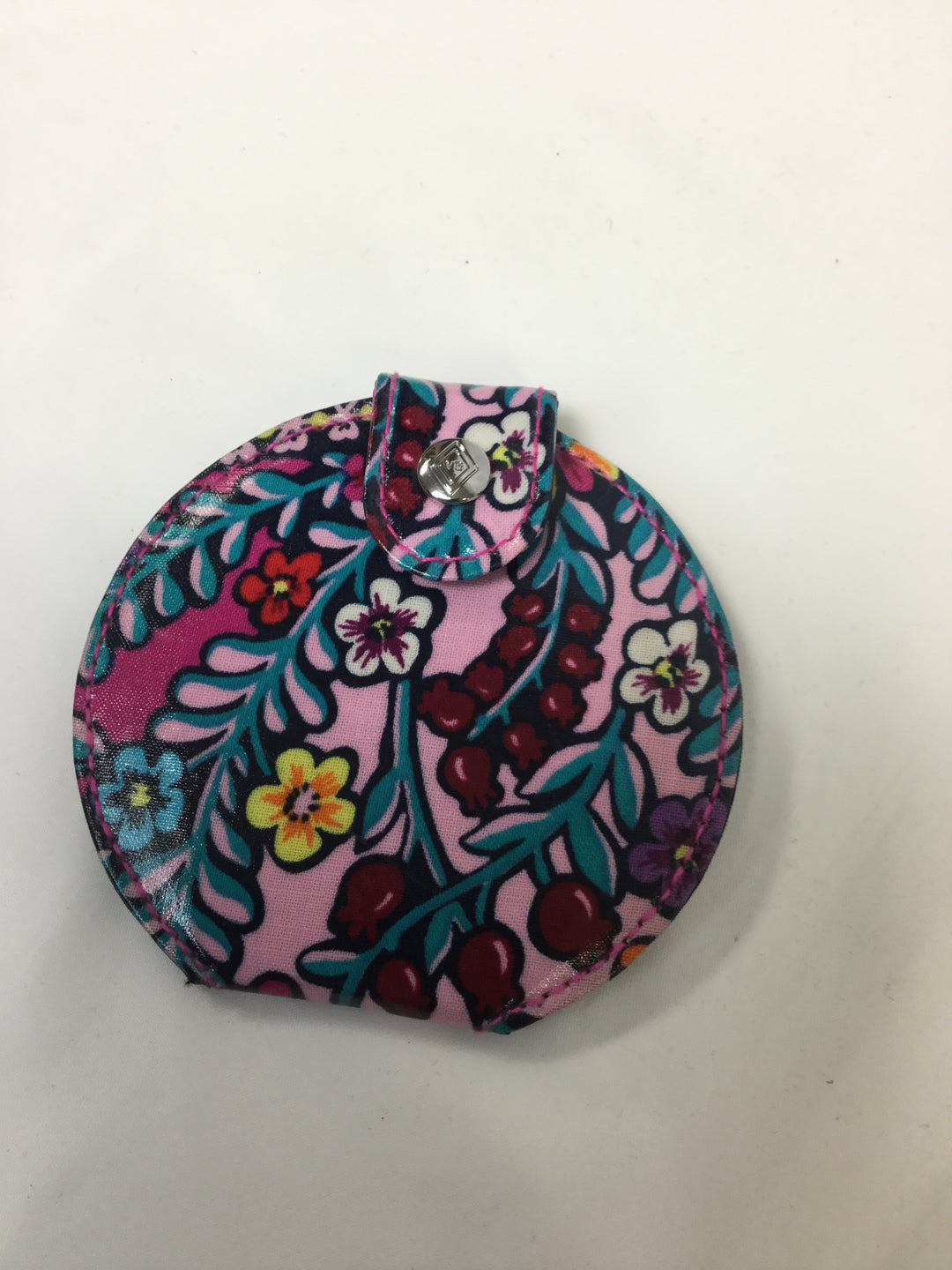 Primary Photo - BRAND: VERA BRADLEY <BR>STYLE: ACCESSORY TAG <BR>COLOR: MULTI <BR>SKU: 155-15599-220345<BR>FLORAL COMPACT MIRROR/SNAP CLOSURE<BR>
