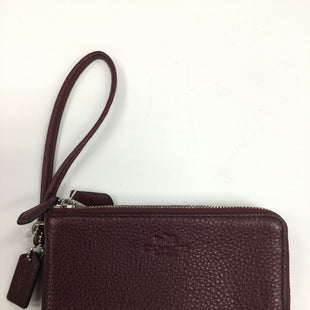 Primary Photo - BRAND: COACH STYLE: WRISTLET COLOR: MAROON OTHER INFO: NOTED SKU: 162-16254-635