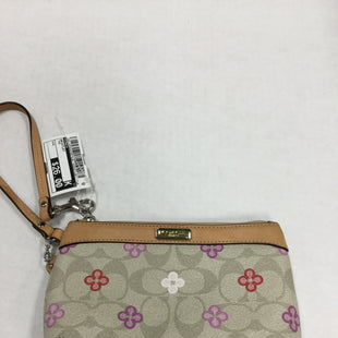 Primary Photo - BRAND: COACH STYLE: WRISTLET COLOR: TAN SKU: 155-155220-8216