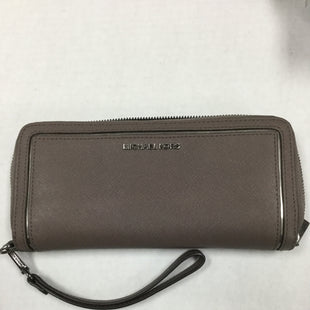Primary Photo - BRAND: MICHAEL KORS STYLE: WALLET COLOR: TAUPE SIZE: LARGE SKU: 155-155224-18580