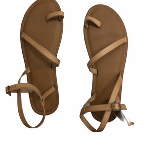 Primary Photo - BRAND: UNIVERSAL THREAD STYLE: SANDALS FLAT COLOR: TAN SIZE: 10 SKU: 155-155224-21458