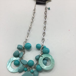 Primary Photo - BRAND:    CLOTHES MENTOR STYLE: NECKLACE COLOR: TURQUOISE SKU: 155-155130-207775