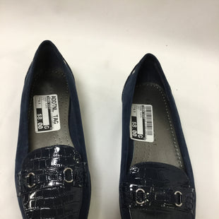 Primary Photo - BRAND: KAREN SCOTT STYLE: SHOES FLATS COLOR: NAVY SIZE: 6.5 SKU: 155-155220-1876