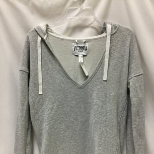 Primary Photo - BRAND: VICTORIAS SECRET STYLE: ATHLETIC TOP COLOR: GREY SIZE: XS SKU: 155-15545-209183