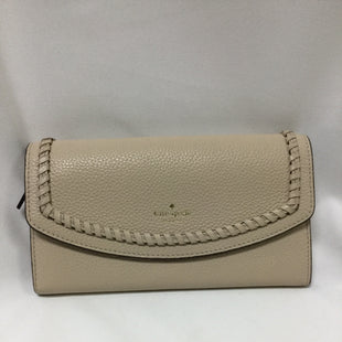 Primary Photo - BRAND: KATE SPADE STYLE: WALLET COLOR: TAN SIZE: LARGE OTHER INFO: SOME WEAR ON THE BACK SKU: 155-155220-5506