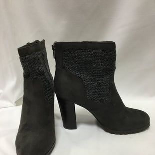 Primary Photo - BRAND: JUICY COUTURE STYLE: BOOTS ANKLE COLOR: GREY SIZE: 9.5 SKU: 155-155130-203227