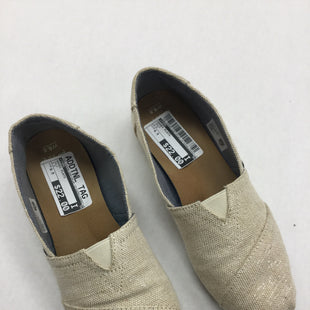 Primary Photo - BRAND: TOMS STYLE: SHOES FLATS COLOR: GOLD SIZE: 6.5 SKU: 155-15599-236105
