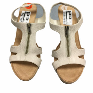 Primary Photo - BRAND: AEROSOLES STYLE: SANDALS HIGH COLOR: CREAM SIZE: 9.5 SKU: 155-155224-5379