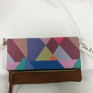 Primary Photo - BRAND:    CLOTHES MENTOR STYLE: CLUTCH COLOR: MULTI SKU: 155-155220-5600