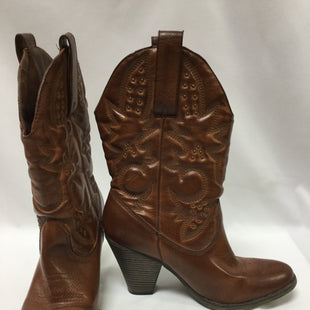 Primary Photo - BRAND: MIA STYLE: BOOTS ANKLE COLOR: BROWN SIZE: 8.5 SKU: 155-15599-237373