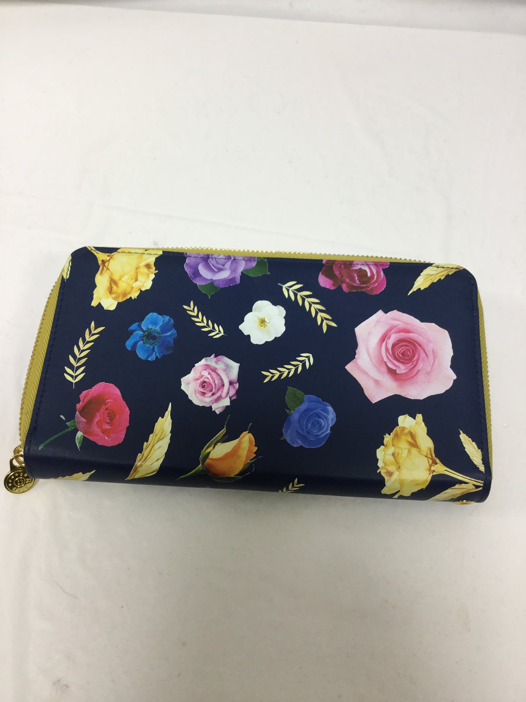 Photo #1 - BRAND:    CLOTHES MENTOR <BR>STYLE: WALLET <BR>COLOR: FLORAL <BR>SIZE: LARGE <BR>SKU: 155-155215-3081<BR>LIGHTS UP!