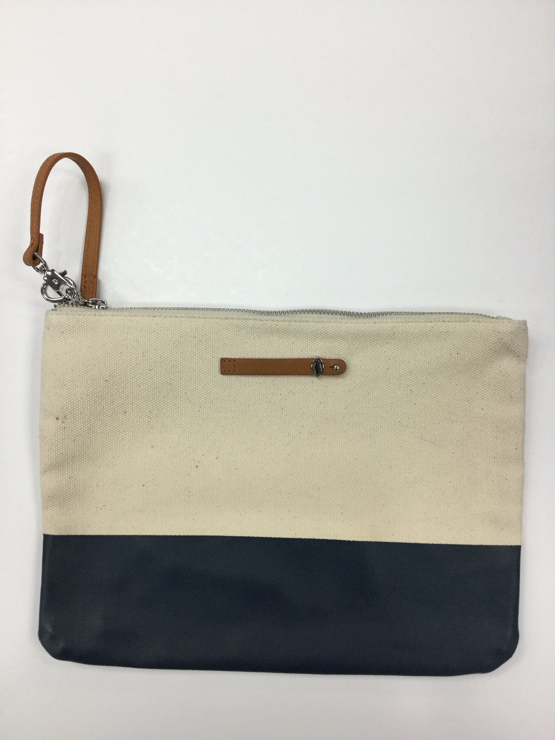 Primary Photo - BRAND:    CLOTHES MENTOR <BR>STYLE: CLUTCH <BR>COLOR: NAVY <BR>SKU: 155-155190-3764<BR>CREAM AND NAVY