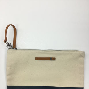Primary Photo - BRAND:    CLOTHES MENTOR STYLE: CLUTCH COLOR: NAVY SKU: 155-155190-3764CREAM AND NAVY