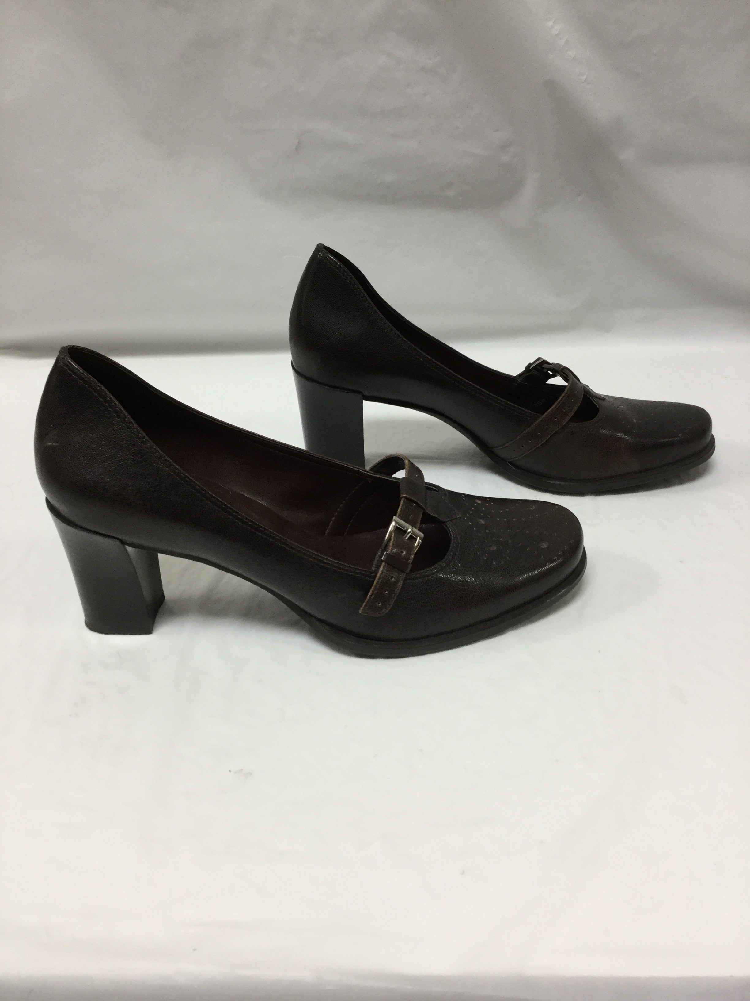 Photo #1 - BRAND: FRANCO SARTO <BR>STYLE: SHOES HIGH HEEL <BR>COLOR: BROWN <BR>SIZE: 7.5 <BR>OTHER INFO: SMALL SCUFF ON BACK <BR>SKU: 155-155224-6473