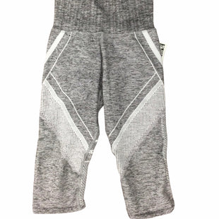 Primary Photo - BRAND: ATHLETA STYLE: ATHLETIC CAPRIS COLOR: GREY SIZE: S SKU: 155-15599-245205