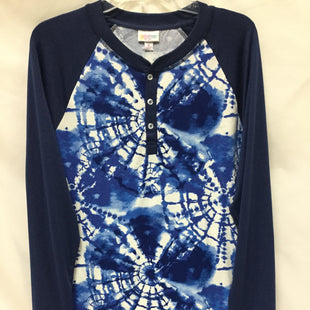 Primary Photo - BRAND: LULAROE STYLE: TOP LONG SLEEVE COLOR: BLUE WHITE SIZE: M SKU: 155-155224-18765