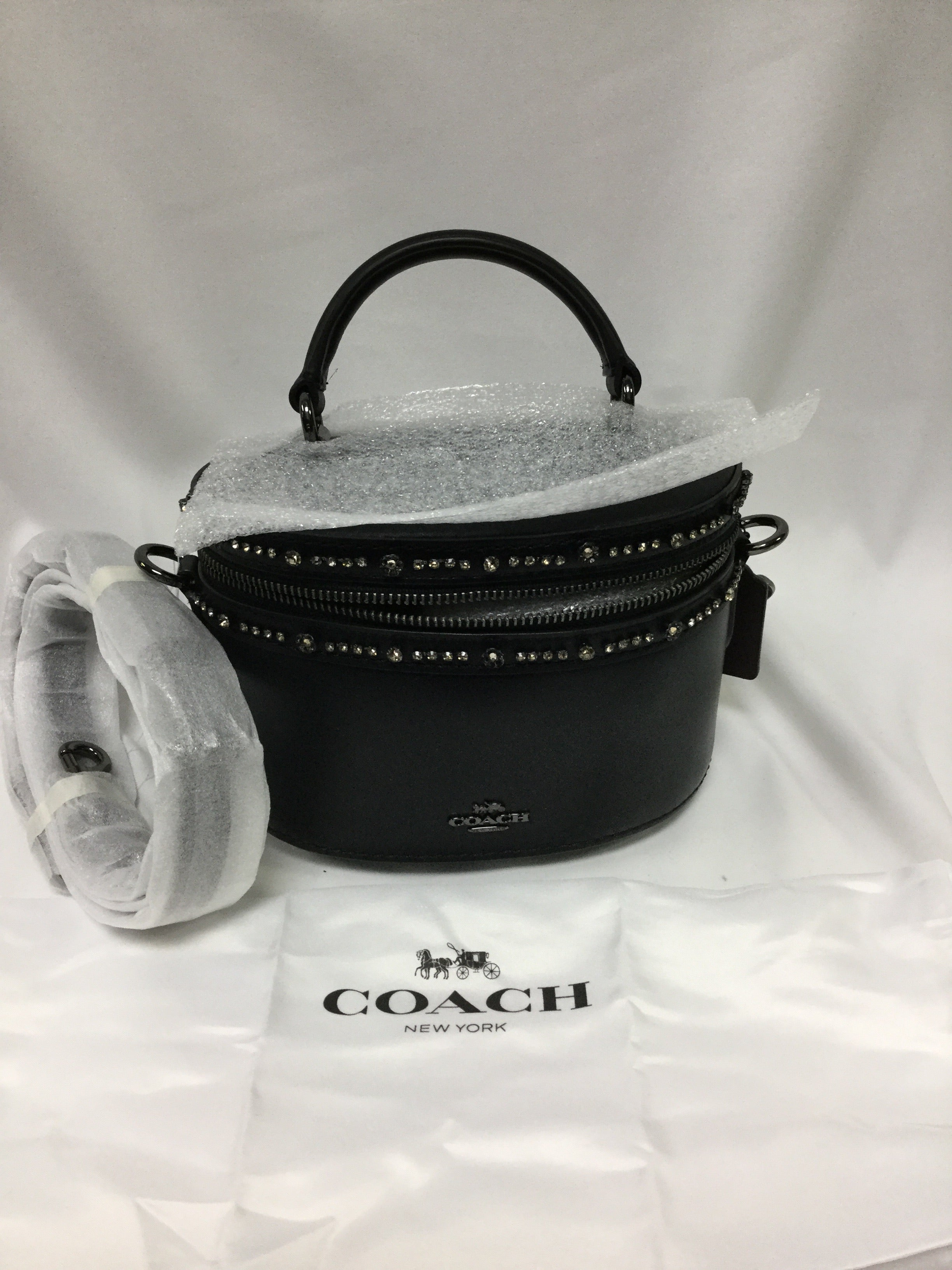 Primary Photo - BRAND: COACH <BR>STYLE: HANDBAG DESIGNER <BR>COLOR: BLACK <BR>SIZE: SMALL <BR>SKU: 155-155224-16352