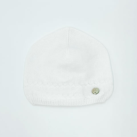 White knit hat