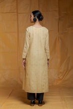 Load image into Gallery viewer, sustainable fasion, season fluid clothing, ethical, handwoven, handspun, handcrafted with love, handmade in India, shop online, indian fashion, women's fashion, khadi cotton fashion