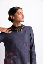 Load image into Gallery viewer, sustainable fasion, season fluid clothing, ethical, handwoven, handspun, handcrafted with love, handmade in India, shop online