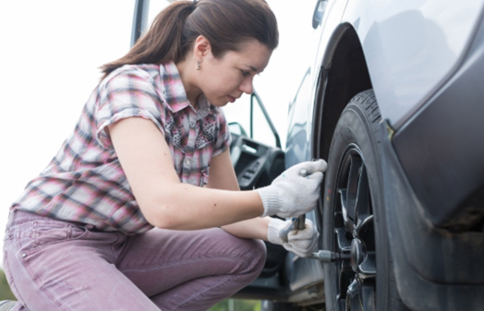 removing the flat tyre