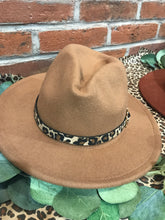 Load image into Gallery viewer, Leopard Belt Panama Hat