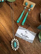 Load image into Gallery viewer, White And Deep Turquoise Necklace