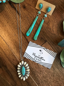 White And Deep Turquoise Necklace