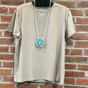 Taupe t shirt