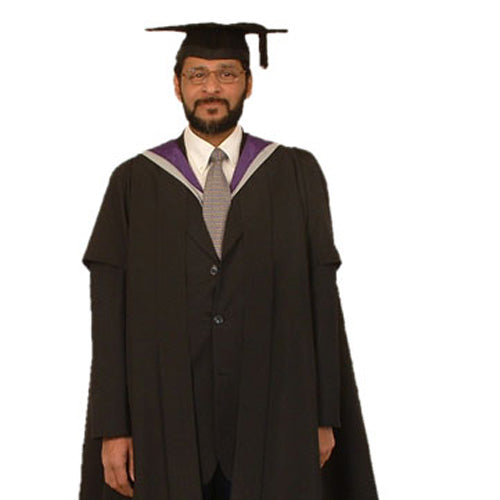 Masters Gown Hire - University of Hertfordshire