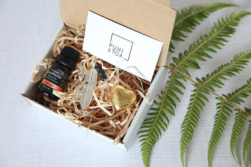 Calming Huruhuru Manu necklace  + Orange essential oil package