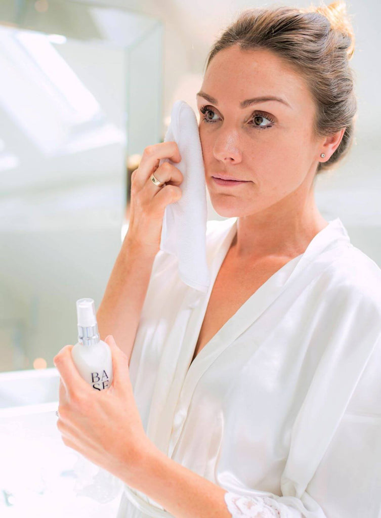 What is Double Cleansing? Everything you need to know about Double Cleansing.