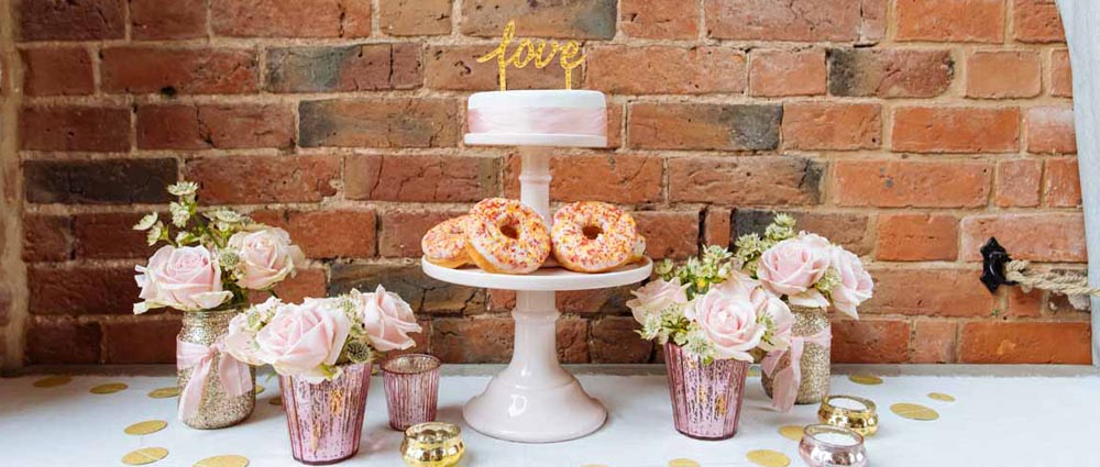 wedding cake stands and cake plates