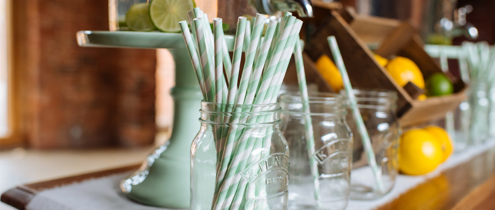wedding drinks paper straws and flags