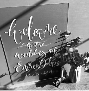 Perspex acrylic welcome signs personalised www.theweddingofmydreams.co.uk