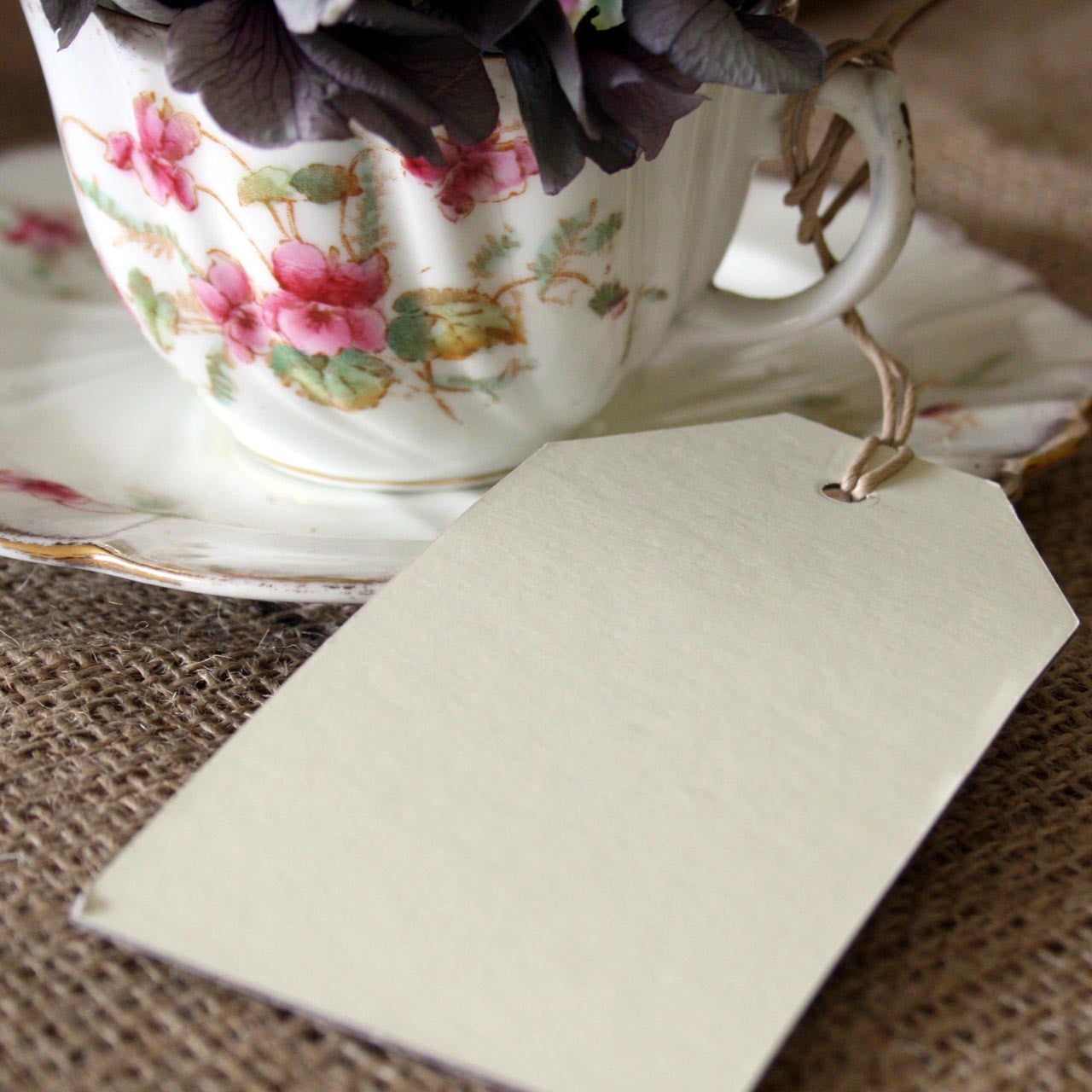 Cream luggage tags vintage wedding place setting pack of for Place settings name card holders