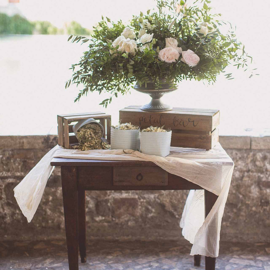 cream crumpled cotton table runner table cloth the wedding of my dreams. Black Bedroom Furniture Sets. Home Design Ideas