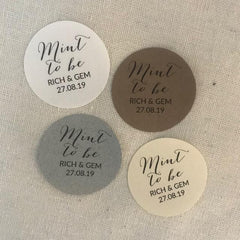 Round Wedding Favour Stickers Mint To Be (Calligraphy) x 24