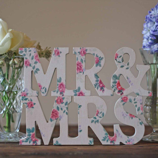 MR & MRS Pretty Floral Sign