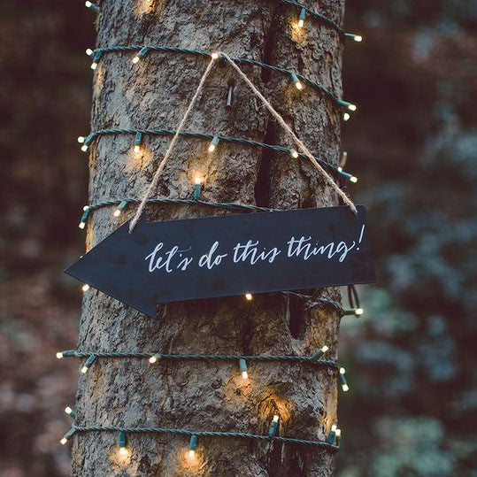 blackboard arrow signs for weddings available from @theweddingomd