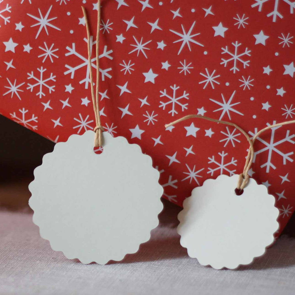 Plain Cream Gift Tags With Scalloped Edges – Pack Of 12 Mixed Size