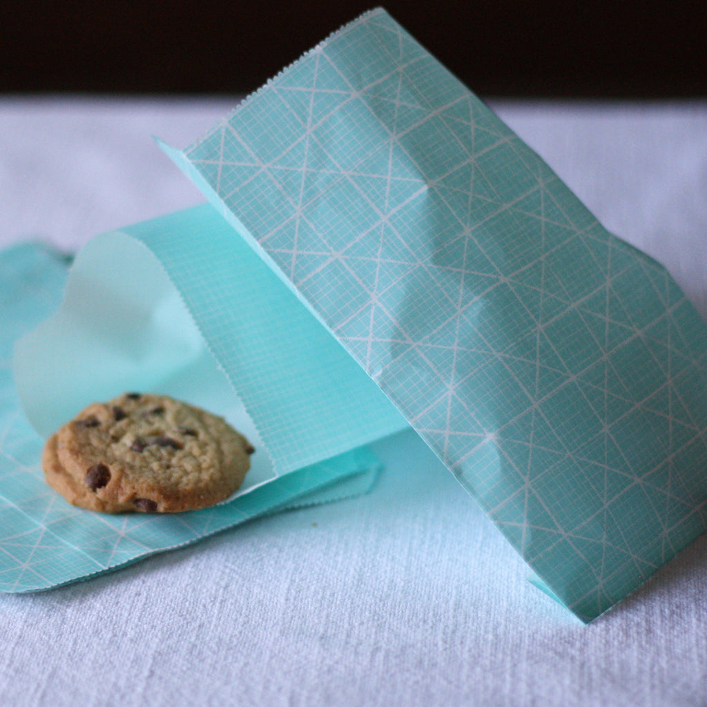 Blue paper bags for wedding dessert tables candy buffets